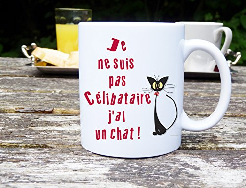 mug chat mug humour je suis pas c libataire j ai un chat id e cadeau. Black Bedroom Furniture Sets. Home Design Ideas