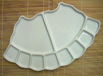 Fan Shaped 10 Well Porcelain Palette