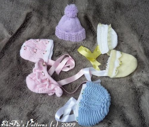 6 Knitted Hats Baby Pattern 113 UK