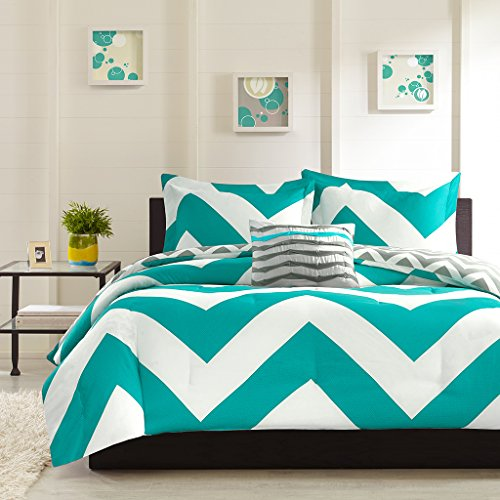 4 Piece Plush Reversible Zig Zag Chevron