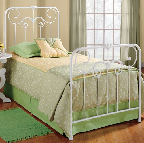 Queen hillsdale lindsey white metal panel bed discount for Panel beds for sale