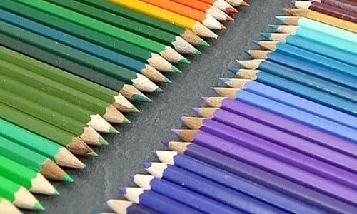 【豊富な色彩】今流行の塗り絵やスケッチなどに カラフル色えんぴつ100本(携帯ケース入り)
