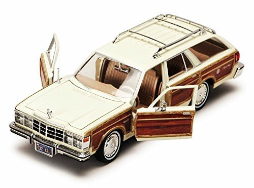 1979-chrysler-lebaron-town-country-wagon-white-with-woodie-siding-showcasts-73331-1-24-scale-diecast