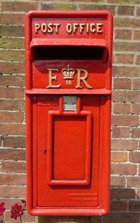 Red E R Post Box