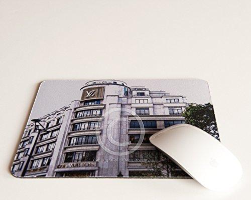 luis-vuitton-store-mousepad