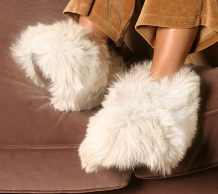 Cheap White Luxurious Alpaca Fur Fuzzy Slippers Medium (ASMM-004-01)