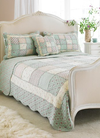 Avignon Bedspread Colour: Duck Egg, Size: King
