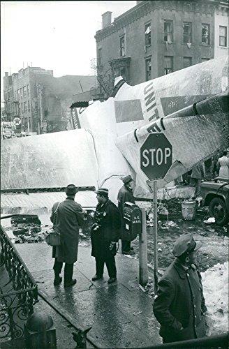 vintage-foto-di-incidente-aereo-a-new-york-successo-il-16-dicembre-1960photo-taken-dec-22-1960