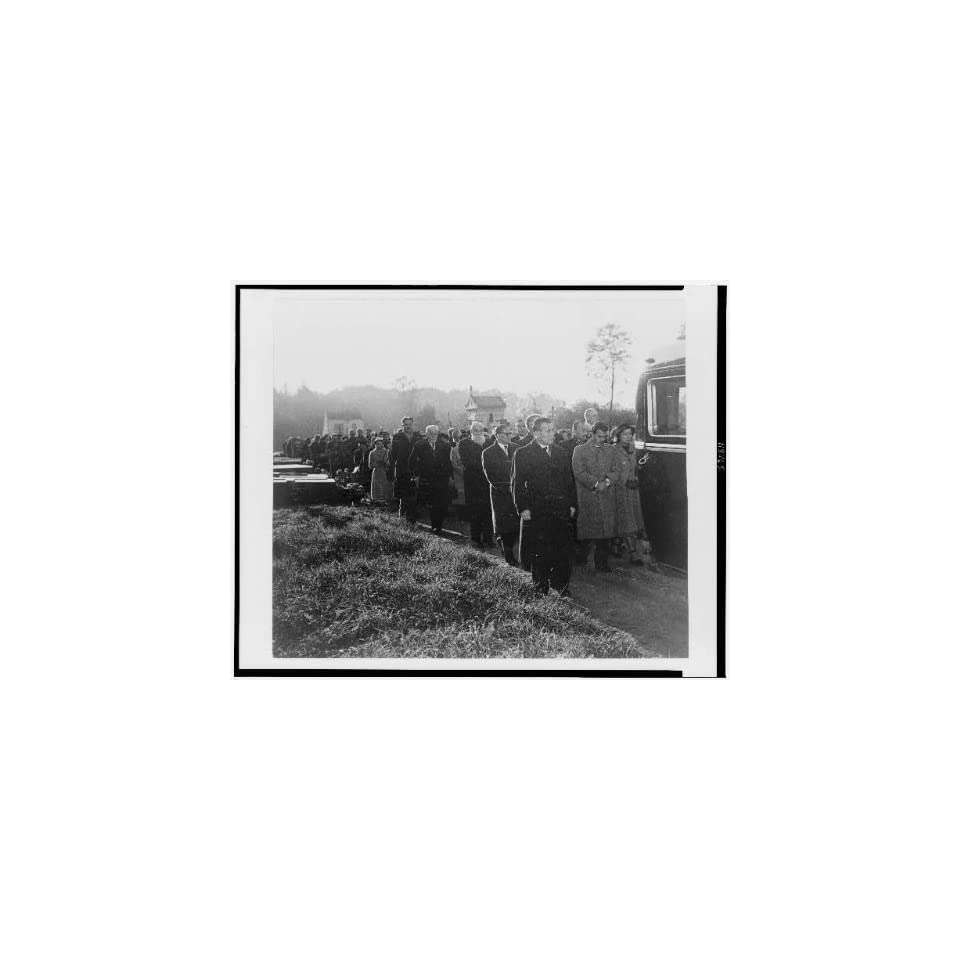 Photo Line of mourners in cemetery at George Ivanovich Gurdjieff