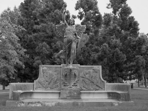 Photography Poster - Statue In Bushnell Park In Hartford Connecticut 24 X 18.5