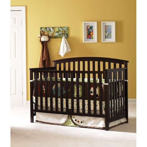 4 In 1 Convertible Crib Set These Classic Graco Freeport