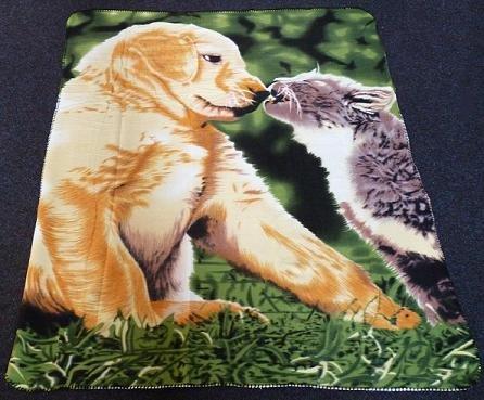 MQ Fleecedecke Tagesdecke Wohndecke Kuscheldecke Decke Tiermotiv Hund mit Katze