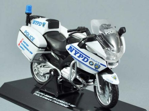 New Ray 1/18 NYPD BMW Police Motorcycle W/Figurine