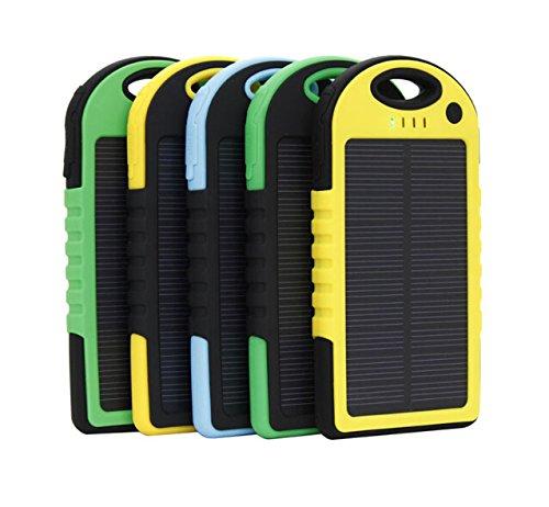 極薄・超軽量 5000mAh防水/防塵/耐衝撃アウトドア向けソーラー 充電器 ソーラーバッテリー 大容量 iPhone・iPad・スマートフォン(スマホ)対応 LEDライト付 モバイルバッテリー /リチウムイオンポリマーバッテリー  イエロー・ブルー・グリーン3色あり、簡易な日本語説明書あり (ブルー)