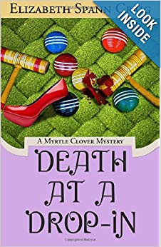 Death at a Drop-In (Myrtle Clover Mystery) - Elizabeth Spann Craig