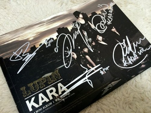 Kara 3rd Mini Album - Lupin(韓国盤)をAmazonでチェック!