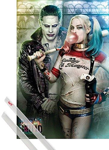 Poster + Sospensione : Suicide Squad Poster Stampa (91x61 cm) Joker E Harley Quinn E Coppia Di Barre Porta Poster Trasparente 1art1®