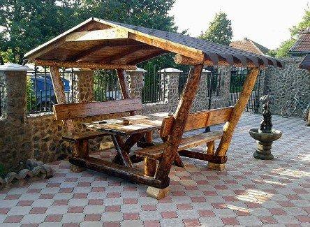Casa Padrino Garten Pavillon Rustikal mit Tisch und 2 Gartenbänken – Eiche Massivholz – Überdachtes Gartenmöbel Set Echtholz Massiv Pergola bestellen