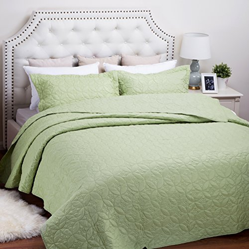 Bedsure Solid Patterned Quilt Set with Shams - Hypoallergenic and Lightweight Pattern A, Lime Green Full/Queen (Green Quilt compare prices)