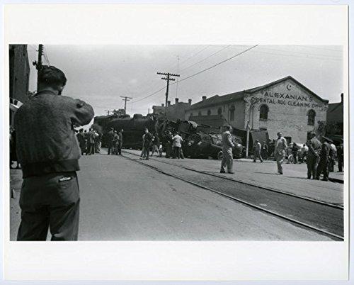 poster-a3-hamilton-canadian-national-railway-accident-on-ferguson-avenue-1953-05-27-original-photogr