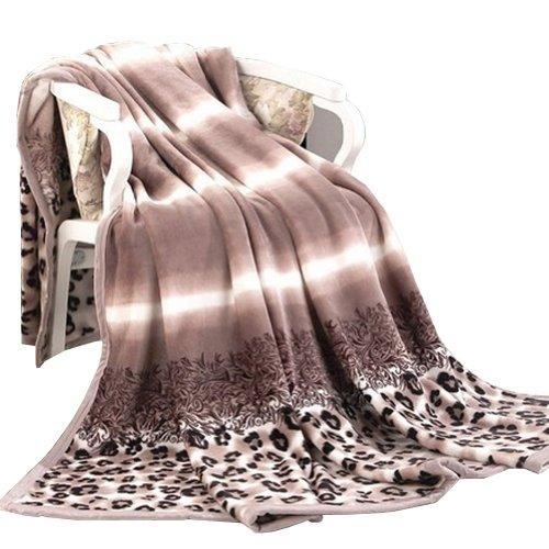 Coral Flannel Blanket Thick Warm Woolen Blanket Dark Leopard(150 By 200 Cm) front-439492