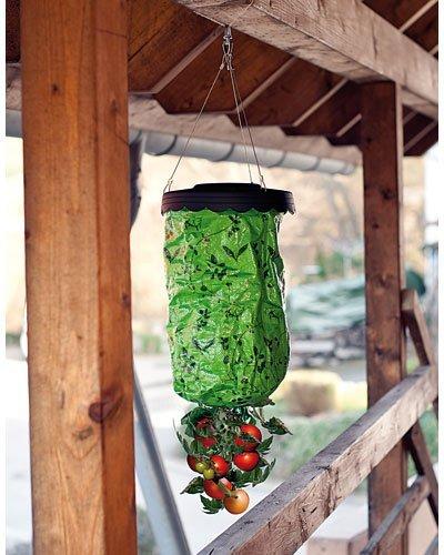 royal-gardineer-hanging-tomato-planter