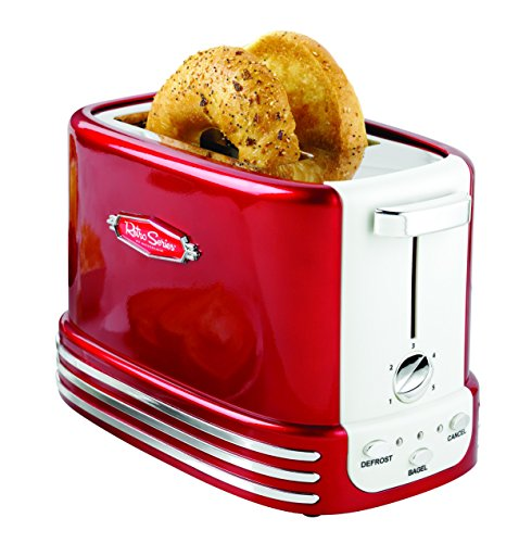 LOVE this red retro toaster - be awesome in a red retro style kitchen