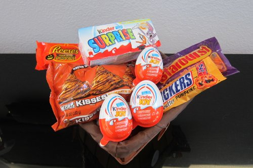 Halloween Goodies gift basket:Herhsey's Kisses Pumpkin Spice,Reese's Peanut Butter Pumpkin, Snickers Pumpkins, Starburst Candy Cors, Kinder from Germany-