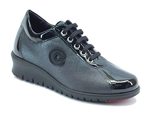 Sneakers Cinzia Soft per donna in ecopelle nera lucida con lacci (Taglia 38)