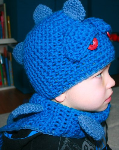 Crochet Pattern boy's dragon / dino hat with scarf, Includes 4 sizes from newborn to adult (Crochet Animal hats Book 1)