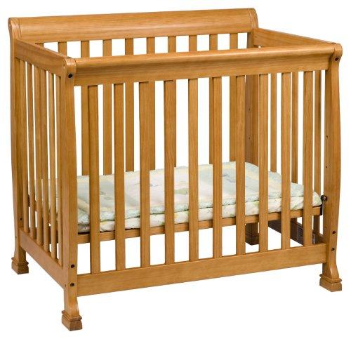 Davinci Kalani Mini Crib, Honey Oak front-891379