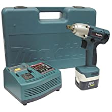 "Makita BTW120SA 12 Volt MAKSTAR 1/2"" Drive Cordless Impact Wrench Kit"