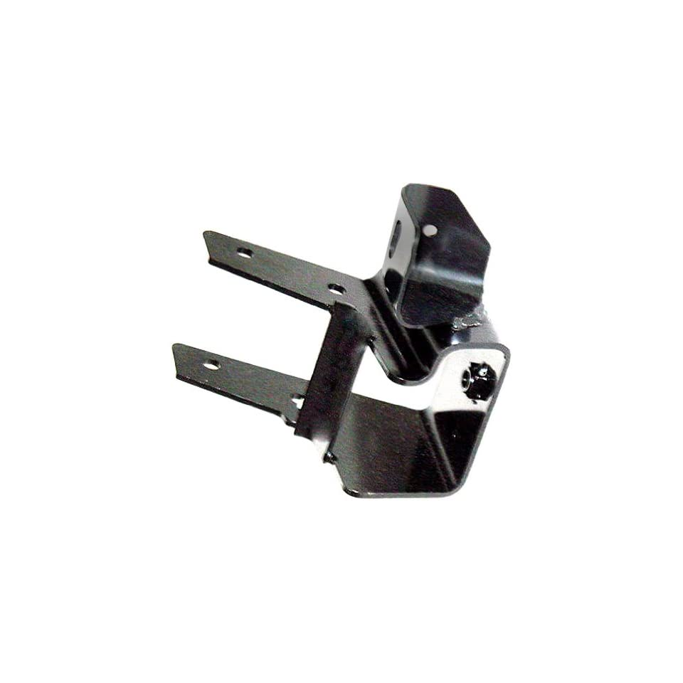 OE Replacement Chevrolet Silverado Front Driver Side Bumper Bracket (Partslink Number GM1066152)
