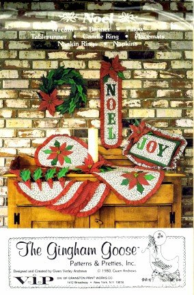 The Gingham Goose Noel Sewing Pattern Christmas Wreath Banner Pillow Tablerunner Placemats