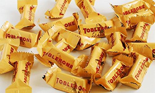 toblerone-tiny-swiss-milk-chocolate-with-honey-almond-nougat-90-pcs-gift-box