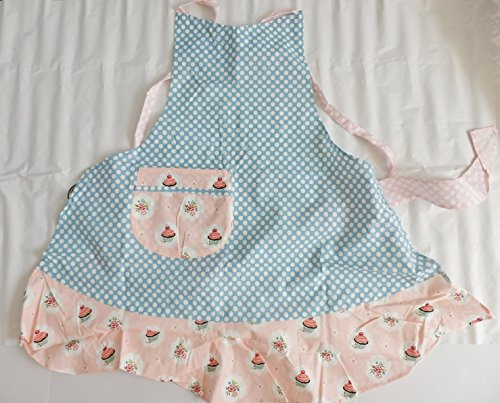 jessie-steele-candy-baker-big-hostess-delight-candy-dot-light-blue-apron
