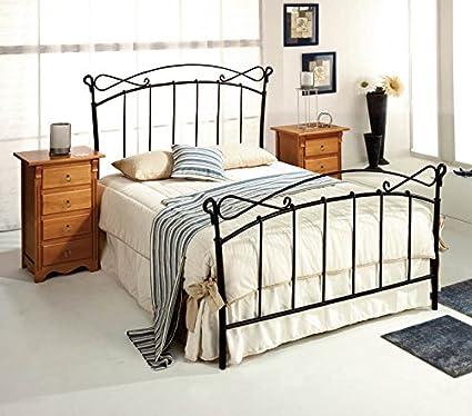 Têtes de lit et lits en fer forgé: modèle AUVERNIA.