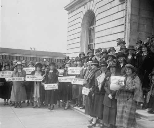 1926 Women from New Jersey at Capitol to prohibition hearing, 4/12/26