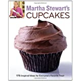 "Martha Stewart's Cupcakes: 175 Inspired Ideas for Everyone's Favorite Treatvon ""Martha Stewart Living..."""