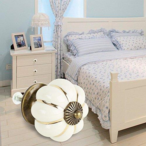 test 8 schubladengriffe vintage design k rbisform keramik griff zug elfenbeinfarben versch. Black Bedroom Furniture Sets. Home Design Ideas