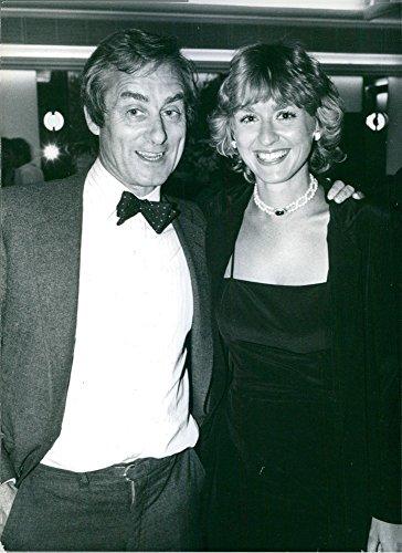 vintage-photo-of-british-journalist-harold-evans-with-his-wife-tina-brown-1982