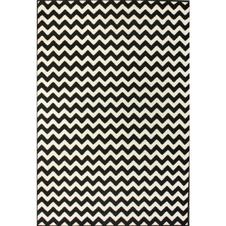 Nuloom Alexa Chevron Vibe Zebra Black/ White Area Rug (4' X 5'7) Contemporary Area Rugs. This Modern Area Rug. Add Elegance to Home Décor. Outdoor Indoor Rug Brings Style to Any Room.