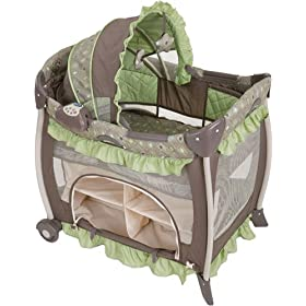 Graco Bedroom Bassinet Portable Crib - Montreal