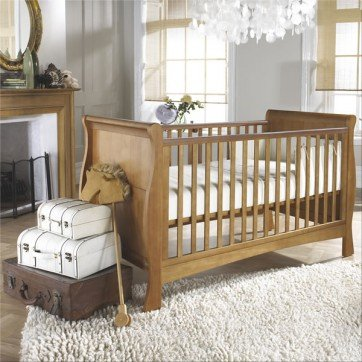 Bailey Oak Cot Bed - Izziwotnot