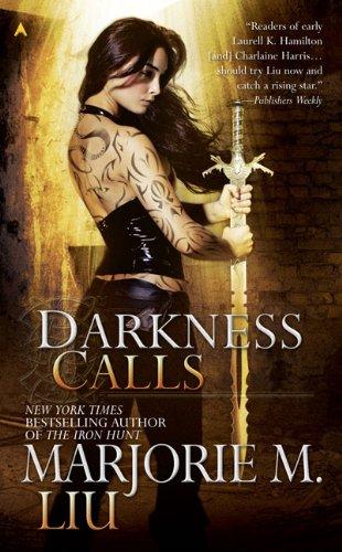 Image of Darkness Calls (Hunter Kiss, Book 2)