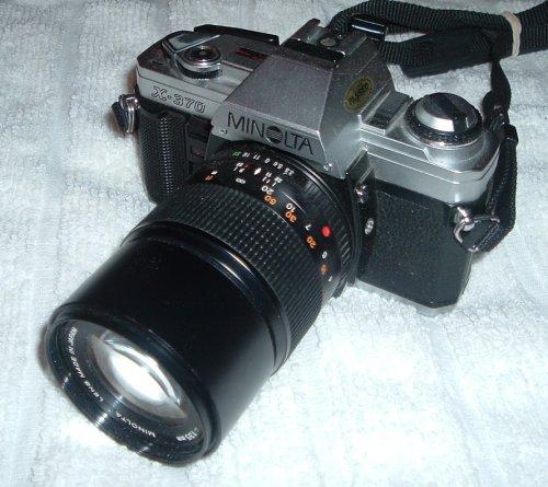 Minolta X-370 film camera SLR with lens