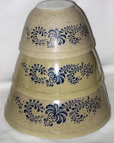 SET OF 3 - Vintage 1970's Pyrex HOMESTEAD Beige & Blue Mixing Batter Nesting Bowl - 1 1/2 Pint, 1 1/2 Quart & 2 1/2 Quart (Corelle Beige Dishes compare prices)