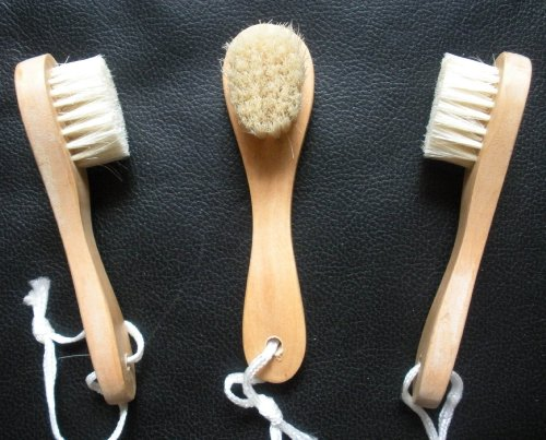 (FREE SHIPPING) 3 Touch Me Natural Bristle Wooden Wood Facial Face Complexion Brush (Set of 3)