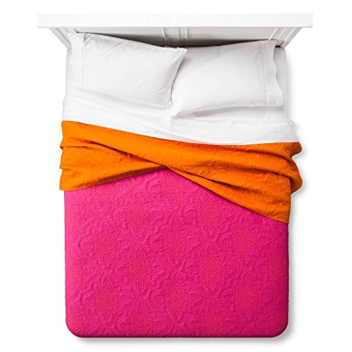 xhilaration-disco-medallion-quilt-pink-full-queen