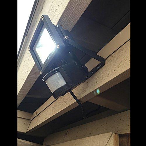 le 10w super bright motion sensor flood light outdoor led flood lights. Black Bedroom Furniture Sets. Home Design Ideas